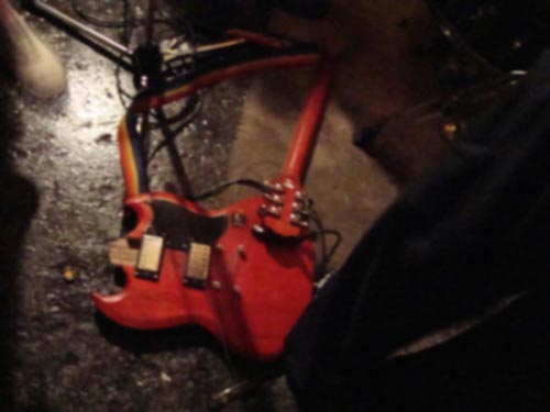 brokenguitar